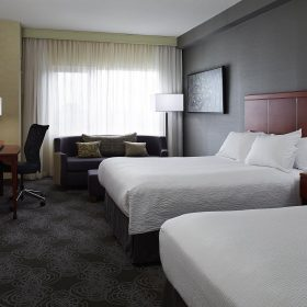 Courtyard By Marriott Montreal Airport Room