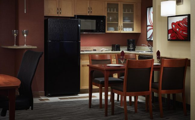 Residence Inn By Marriott Montreal Airport Kitchen