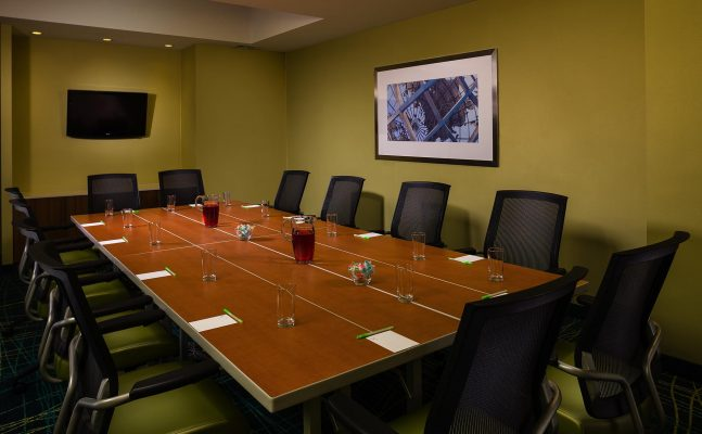 Spring Hill Suites Laguardia Meeting Room