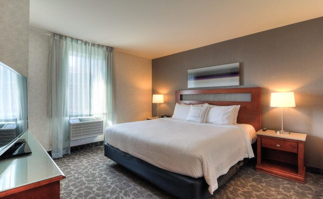 Spring Hill Suites Old Montreal Room