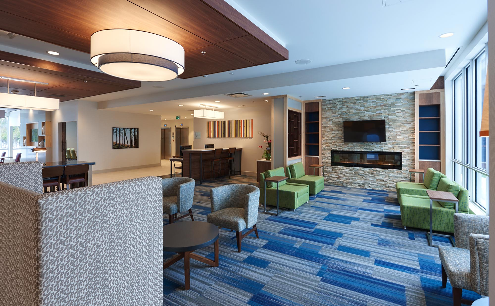 Holiday Inn Express Amp Suites St John S Airport Urgo