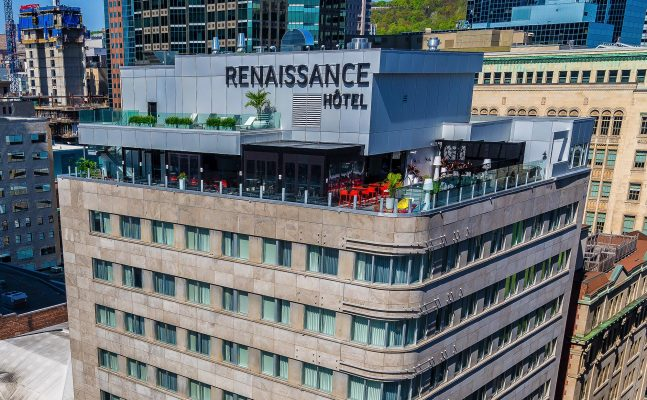 Renaissance By Marriott Monrtreal Rooftop Bar